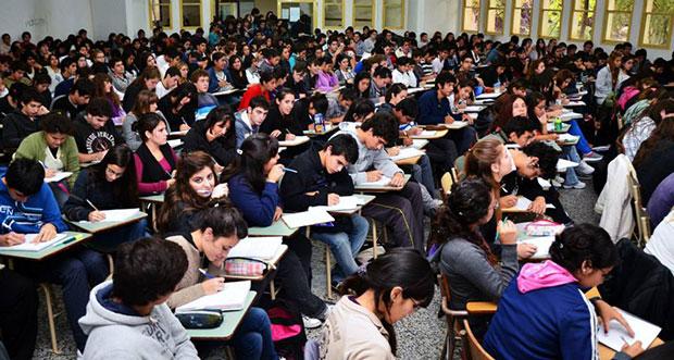Fotografía-de-Agustín-Orejas.-Universidad-Nacional-del-Comahue.