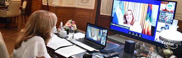 """Encuentro virtual """"La academia y el poder de ser mujer"""""""